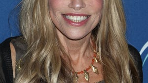 """Carly Simon Finally Reveals the Subject of Her Song """"You're So Vain"""""""