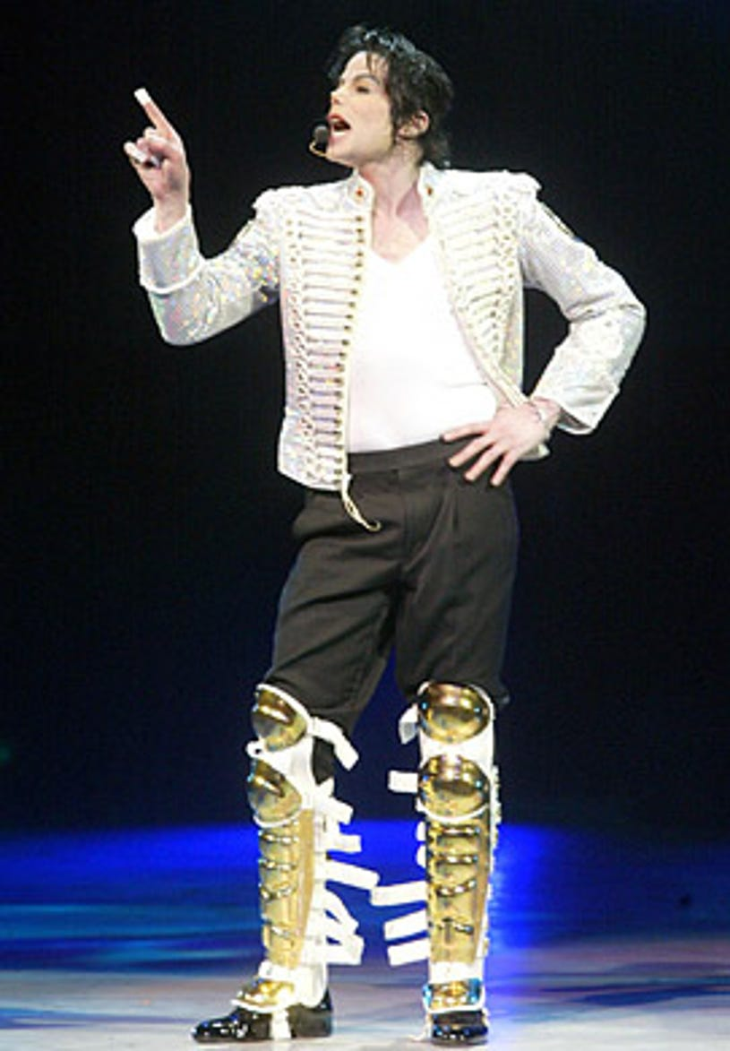 """Michael Jackson - performs at """"A Night at the Apollo"""", a Democratic National Committee fundraiser, New York City, April, 24, 2002"""