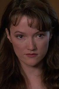 Lisa Waltz as Laurie Horn