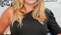 It's a Girl for Baywatch's Nicole Eggert