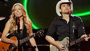 Country Stars Celebrate the Holidays on CMA Country Christmas