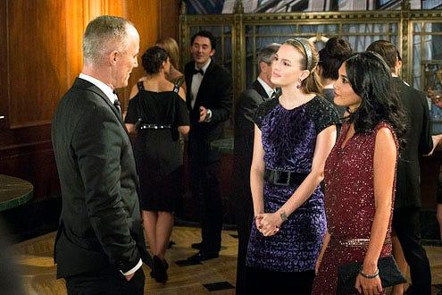 "Gossip Girl - Season 6 - ""Revengers"" - Robert John Burke, Leighton Meester and Hina Abdullah"