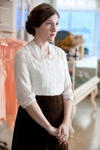 Kelly Macdonald as Carla Jean Moss