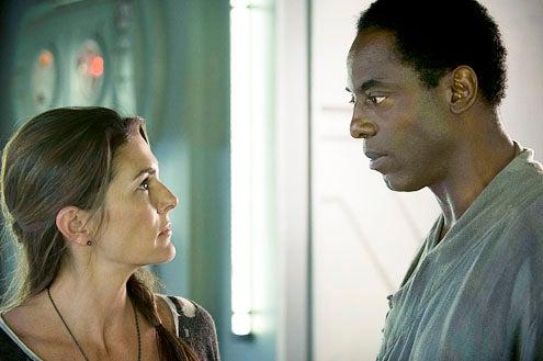 "The 100 - Season 1 - ""Pilot"" - Paige Turco and Isaiah Washington"