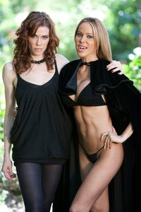 Elina Madison as Stephanie Jones-Reed