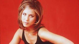Jennifer Aniston Joins Instagram with the Friends Reunion Selfie We Needed