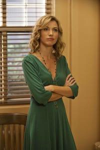 Natalie Zea as Carrie