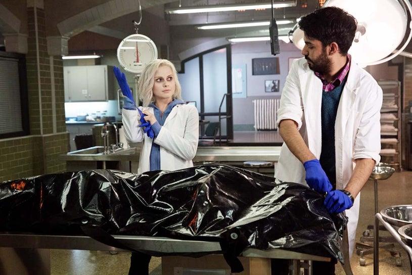 """iZombie - Season 1 - """"Pilot"""" - Rose McIver and Rahul Kohli"""