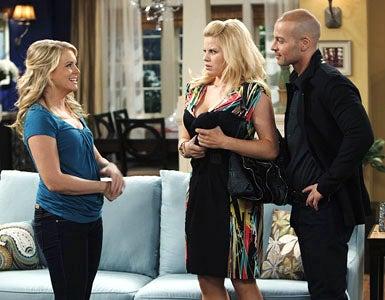 "Melissa & Joey - Season 1 - ""Enemies with Benefits"" - Melissa Joan Hart, Megan Hilty and Joey Lawrence"