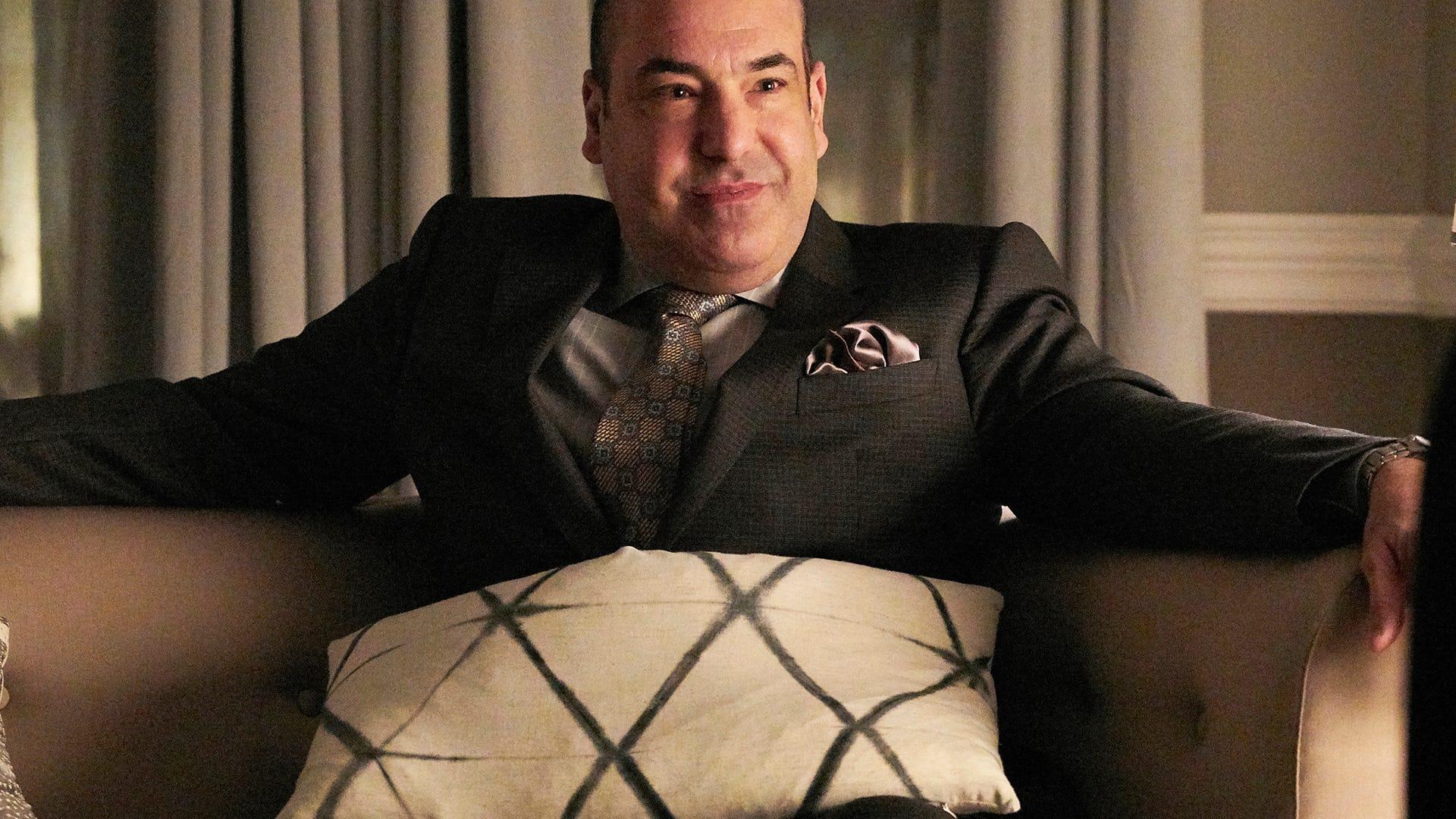 Rick Hoffman, Suits