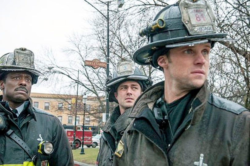 "Chicago Fire - Season 1 - ""Viral"" - Eamonn Walker, Taylor Kinney and Jesse Spencer"