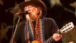 Willie Nelson's Band Injured in Bus Crash