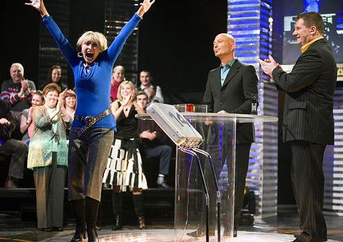 Deal or No Deal - Season 3 - Contestant Elaine Primeaux, Host Howie Mandel and Estonian Host Alari Kivisaar