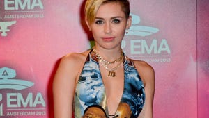 Is Miley Cyrus Sporting Her Old Engagement Ring?