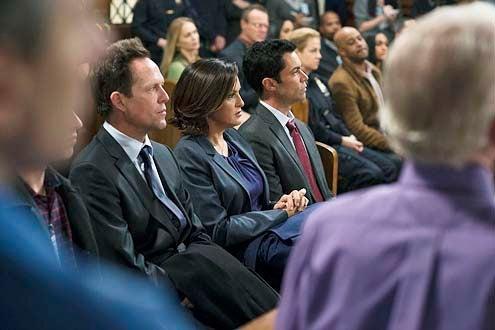 "Law & Order: Special Victims Unit - Season 15 - ""Psycho Therapist"" - Dean Winters, Mariska Hargitay and Danny Pino"