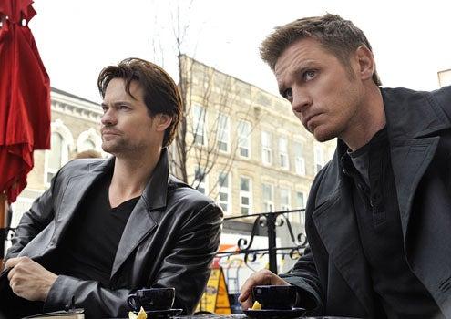 """Nikita - Season 2 - """"Pale Fire"""" - Shane West as Michael and Devon Sawa as Owen"""