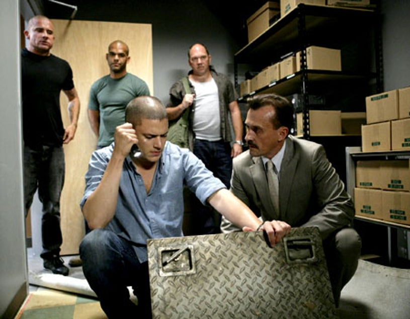 """Prison Break - Season 4, """"Greatness Achieved"""" - Dominic Purcell as Lincoln, Amaury Nolasco as Sucre, Wentworth Miller as Michael, Wade Williams as Bellick, Robert Knepper as T-Bag"""