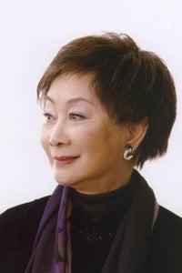 Lisa Lu as Ling