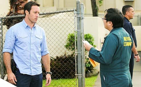 """Hawaii Five -0 - Season 4 - """"Ho'i Hou"""" - Alex O'Loughlin and Masi Oka"""
