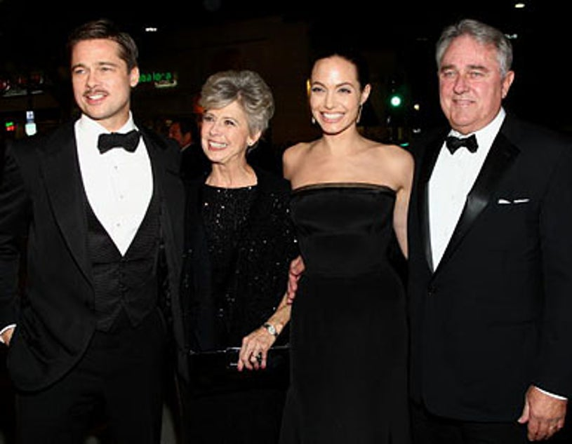 """Brad Pitt with his parents and Angelina Jolie - """"The Curious Case Of Benjamin Button"""" premiere, Decemeber 8, 2008"""