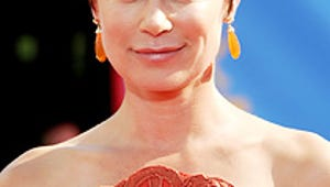 """Maura Tierney on Her Cancer Battle: """"I Was So Lucky"""""""