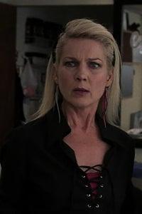 Julie White as Leslie