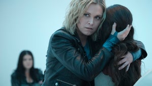 Clarke Looks Thirsty for Revenge in The 100 Series Finale Photos