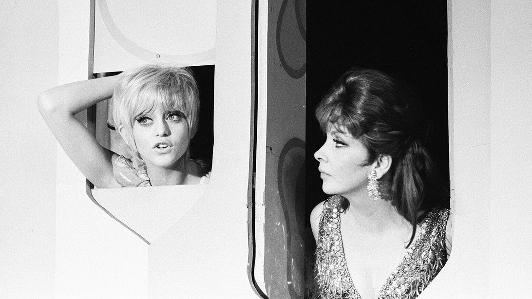Goldie Hawn and Pamela Rodgers, Rowan & Martin's Laughter