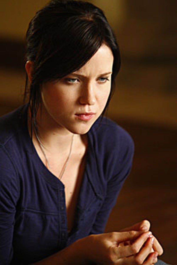 """Life - Season 2, """"Jackpot"""" - Jessy Schram as Rachel Seybolt"""