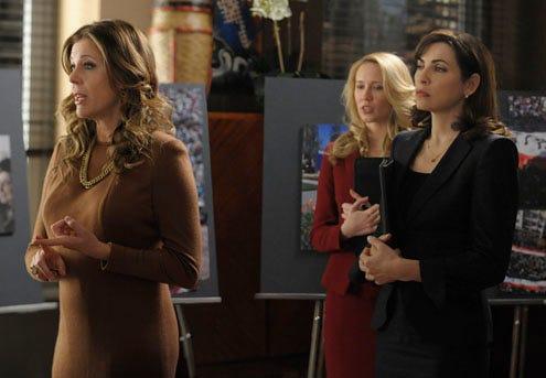 "The Good Wife - Season 3 - ""Live From Damascus""- Anna Camp, Julianna Margulies, Rita Wilson"