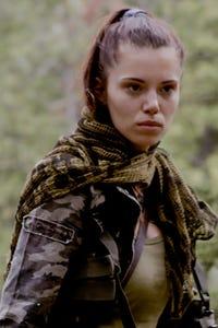 Annika Pampel as Emina