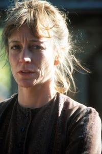 Carrie Snodgress as Dr. Viola Rhodes