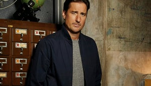 Luke Wilson Looks Ready to Coach You Through a Crisis in This Emergency Call Poster