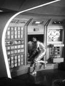 Lost in Space, Season 1 Episode 1 image