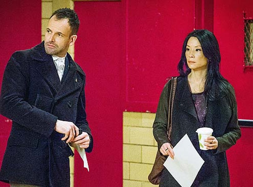 "Elementary - Season 2 - ""Ears to You"" - Jonny Lee Miller and Lucy Liu"