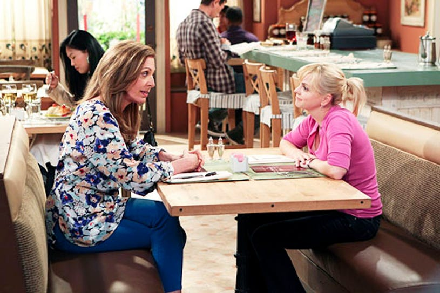 "Mom - Season 1 - ""Pilot"" - Allison Janney and Anna Faris"