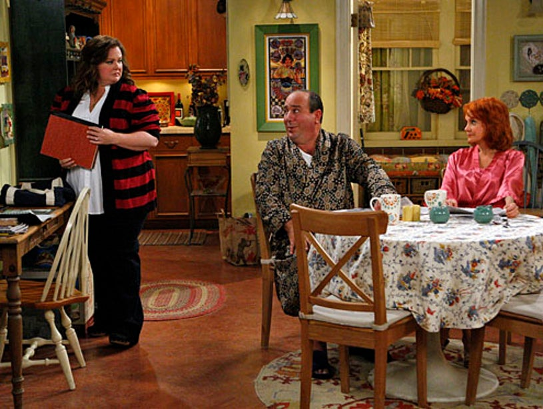 "Mike & Molly - Season 2 - ""Goin' Fishin"" - Melissa McCarthy as Molly, Louis Mustillo as Vince and Swoosie Kurtz as Joyce"