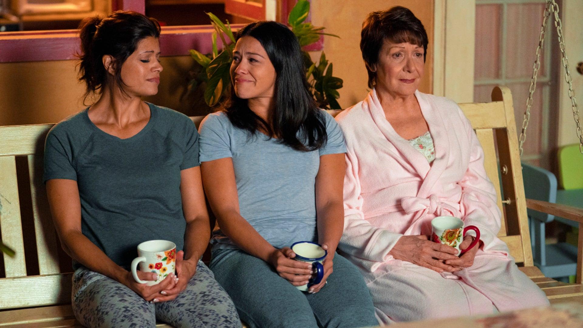 Andrea Navedo, Gina Rodriguez, Ivonne Coll, Jane the Virgin