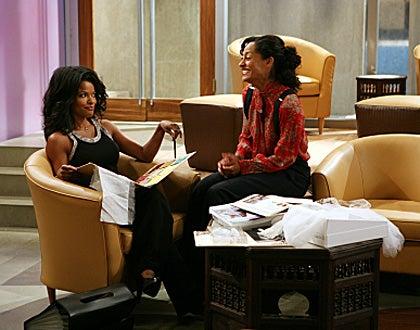 "Girlfriends - Season 7, ""Everybody Hates Monica"" - Keesha Sharp and Tracee Ellis Ross"
