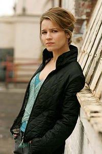 Anna Belknap as Sarah Kimmel