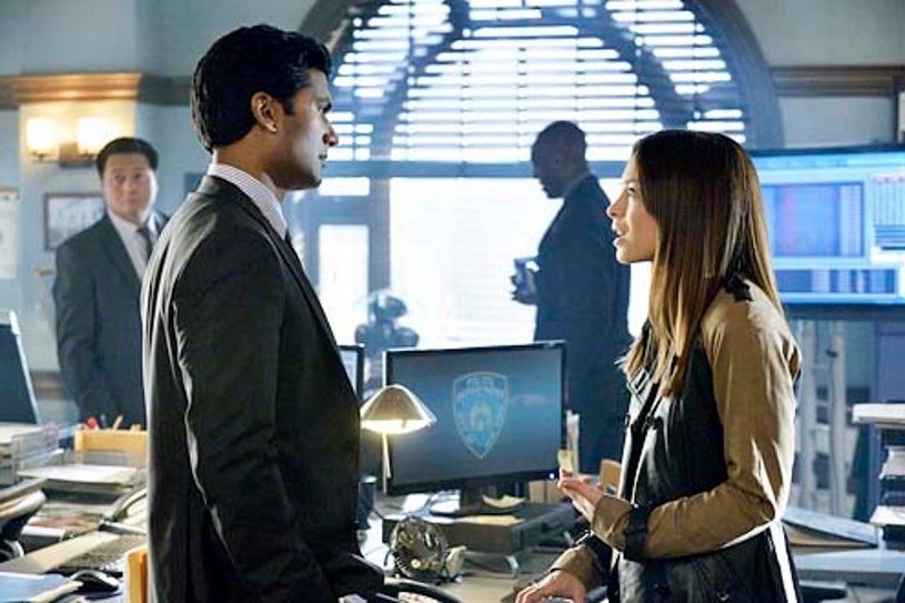 "Beauty and the Beast - Season 2 - ""Don't Die on Me"" - Sendhil Ramamurthy and Kristin Kreuk"