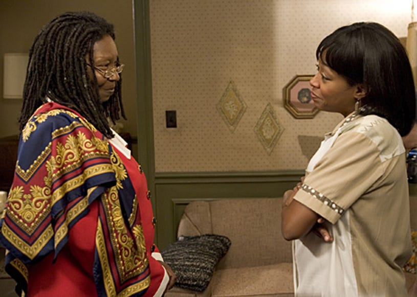 """Everybody Hates Chris - Season 2 - """"Everybody Hates Rejection""""  -  Whoopi Goldberg as """"Louise"""" and Tichina Arnold as """"Rochelle"""""""