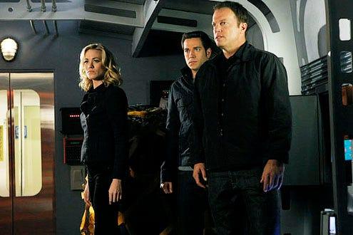 "Chuck - Season 5 - ""Chuck vs. the Bullet Train"" - Yvonne Strahovski as Sarah Walker, Zachary Levi as Chuck Bartowski and Adam Baldwin as John Casey"