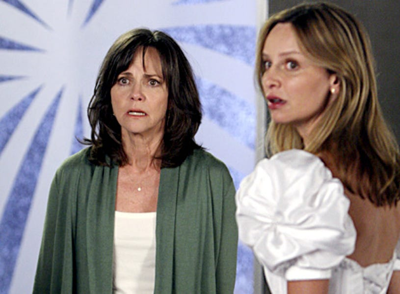 """Brothers & Sisters - """"Home Front"""" - Sally Field as Nora, Calista Flockhart as Kitty"""
