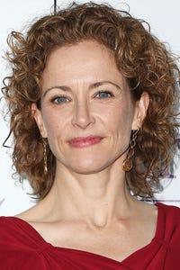 Leslie Hope as Cammie Springer