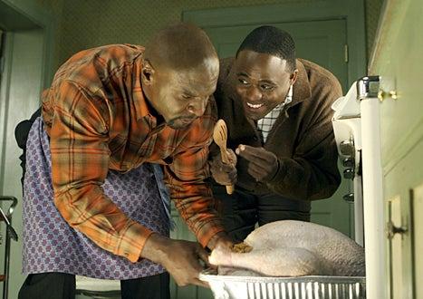 """Everybody Hates Chris - Season 2 - Everybody Hates Thanksgiving - Terry Crews as """"Julius"""" , Wayne Brady as """"Louis"""""""