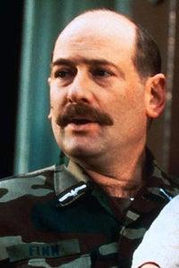 Stephen Mendel as Freddie
