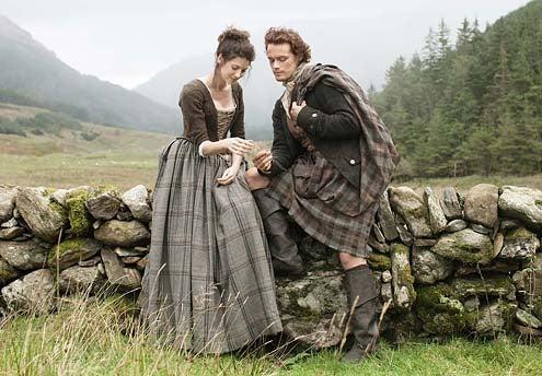 Outlander - Season 1 - Caitriona Balfe and Sam Heughan
