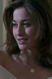 Kat Foster as Harper Cummings