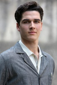 Pierre Boulanger as Theo